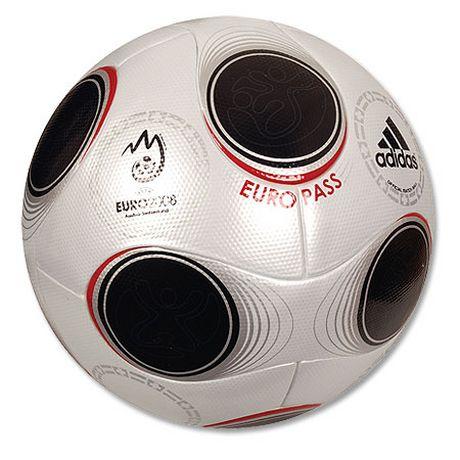 [RP] Cartas y regalos / Cartes i regals / Lettres et cadeaux / Letes eyet bistokes Balon-oficial-eurocopa-futbol-2008